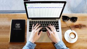 Cómo limpiar el teclado de un portatil paso a paso