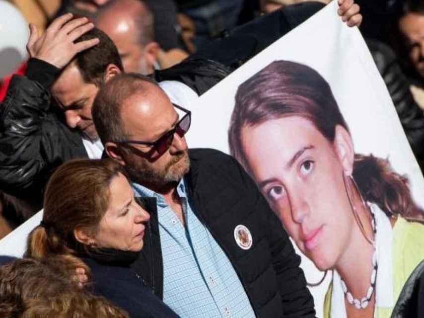 Eva Casanueva y Antonio del Castillo, padres de la menor asesinada, durante una manifestación en junio de 2019 para que se reabriera el caso.