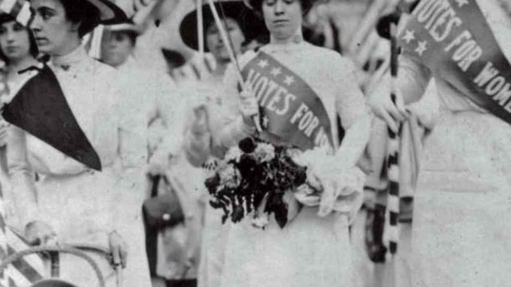 Protestas de las sufragistas en EEUU vestidas de blanco.