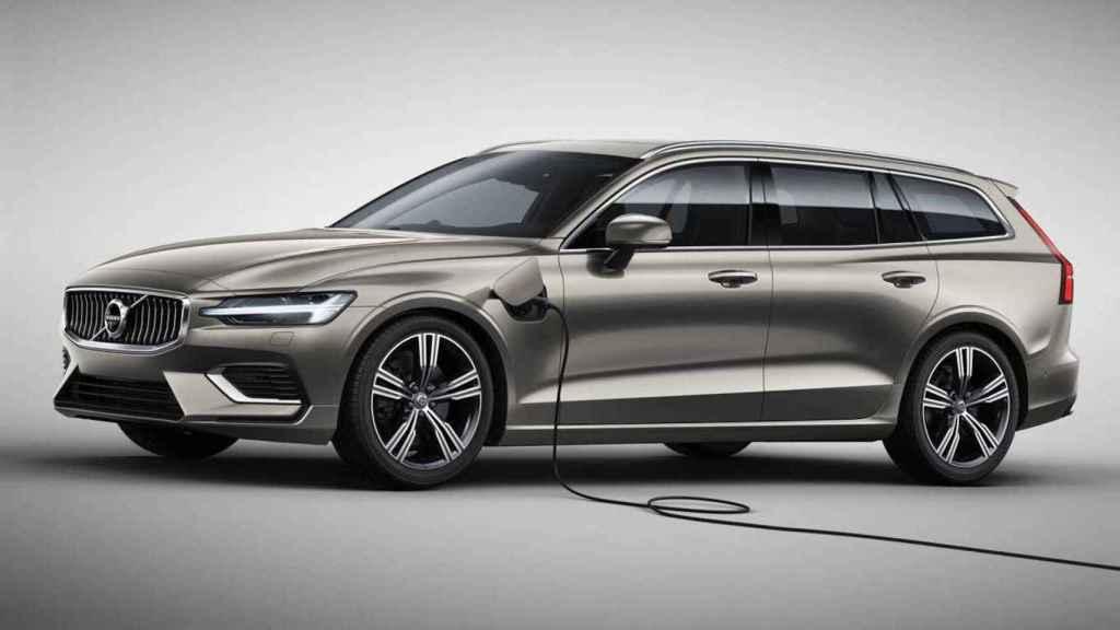 Volvo ya ofrece el V60 como híbrido enchufable