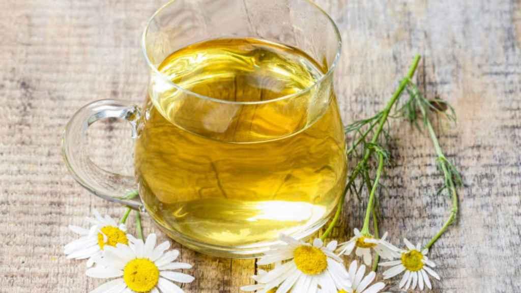 Toda La Verdad Sobre La Manzanilla Remedio Saludable Para El Estómago O Mito