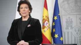 Celaá da 24 horas a Murcia para retirar el pin parental