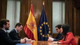 Casado, García-Egea, José Espejo-Saavedra y Arrimadas este martes durante la reunión PP-Cs.