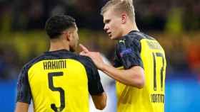Achraf y Haaland, en un partido del Borussia Dortmund