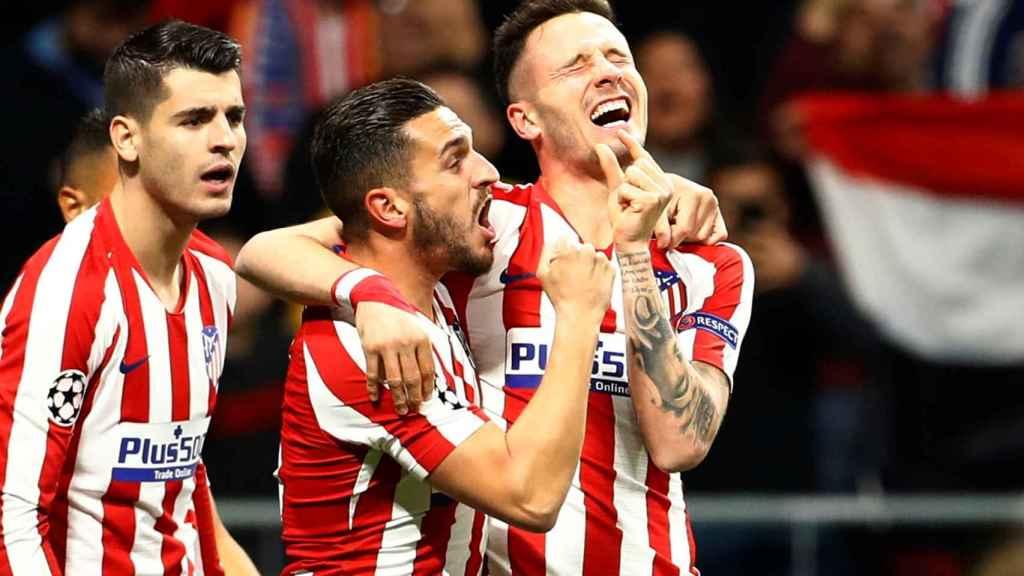 Morata, Koke y Saúl, durante el gol en el Atlético - Liverpool