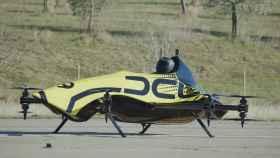 El primer dron acrobático tripulado por un humano.