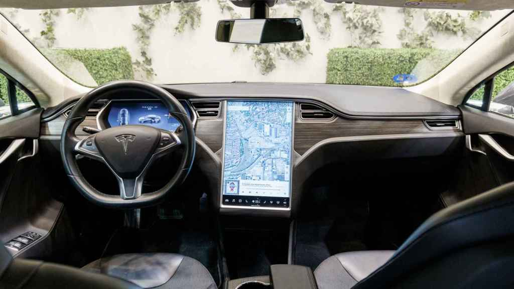 Interior del Tesla Model S, uno de los modelos afectados