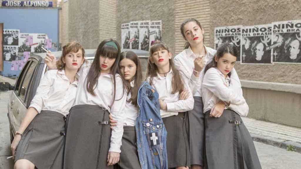 Las niñas y sus jóvenes protagonistas.