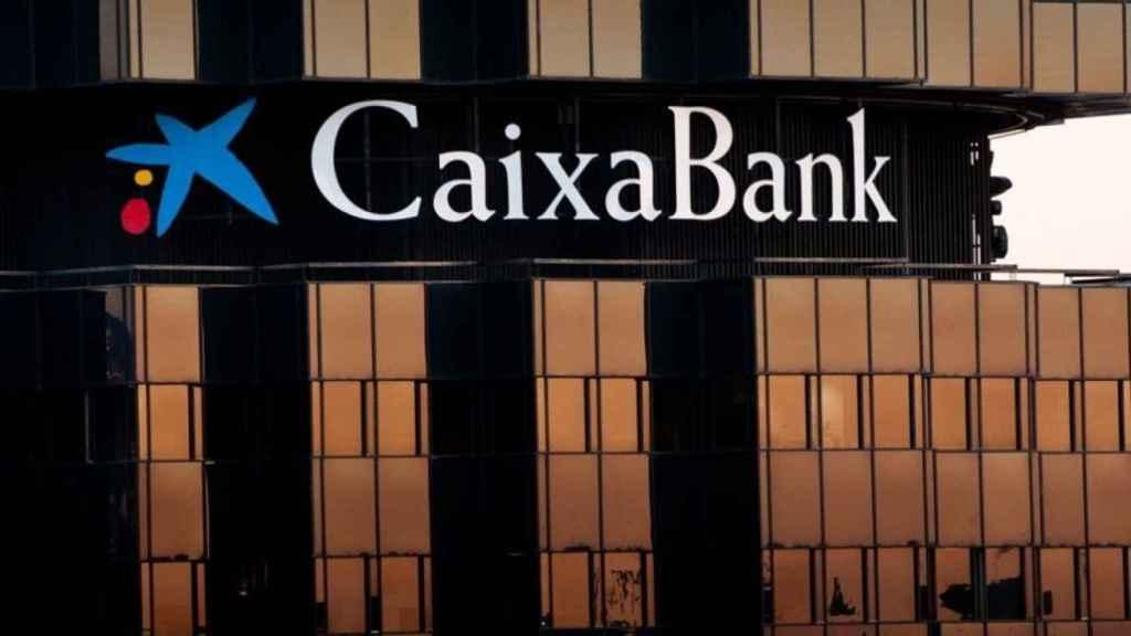 """En septiembre de 2014, Barclays anunció la venta a CaixaBank de lo que no había dejado de ser un """"caramelo envenenado""""."""