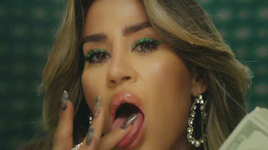 J Mena en el videoclip de 'PUTA'.