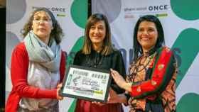 La directora del Instituto de la Mujer, Pilar Callado, con Charo Infante y Carmen Hidalgo