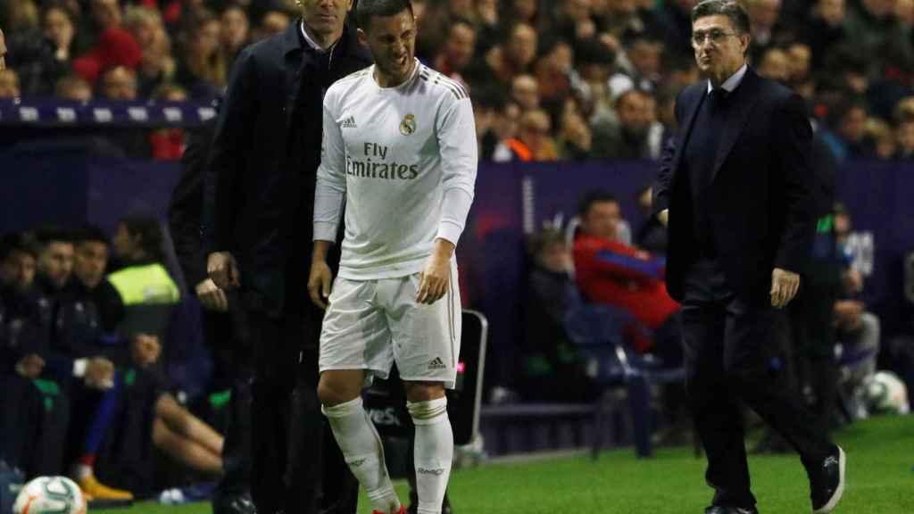 Eden Hazard se retira lesionado ante el Levante