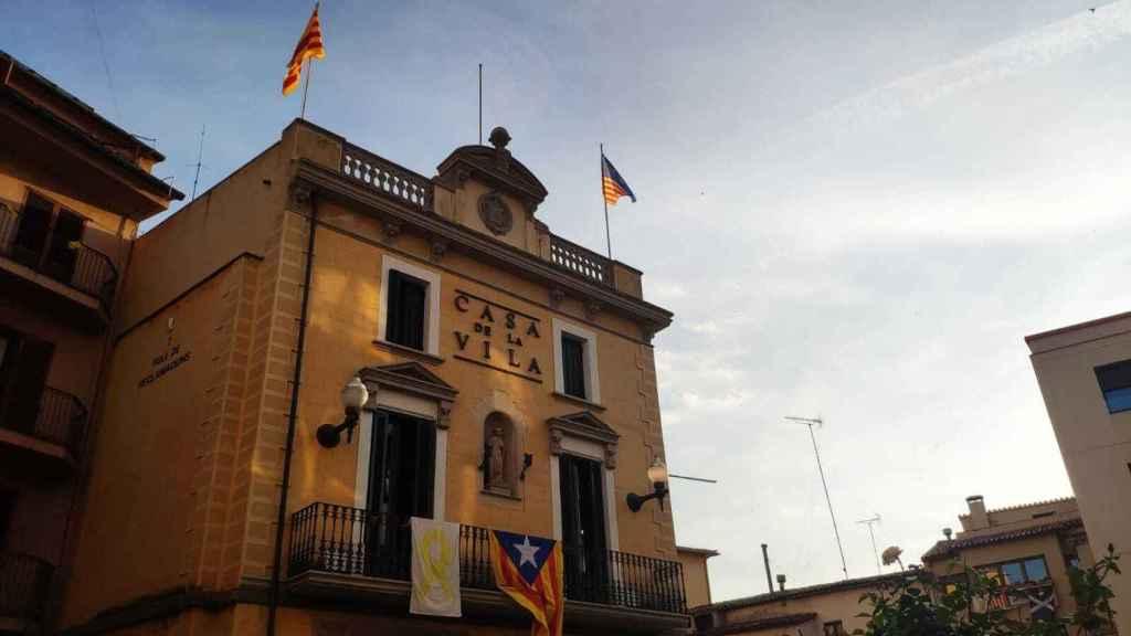 Uno de los ayuntamientos de Osona que incumple la ley de banderas