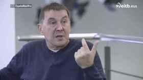 Arnaldo Otegi, entrevistado en ETB.