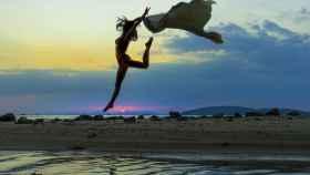 Cada vez más personas eligen destinos en los que practicar yoga.