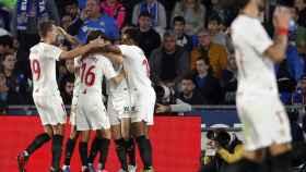 El Sevilla celebra uno de los tantos del partido