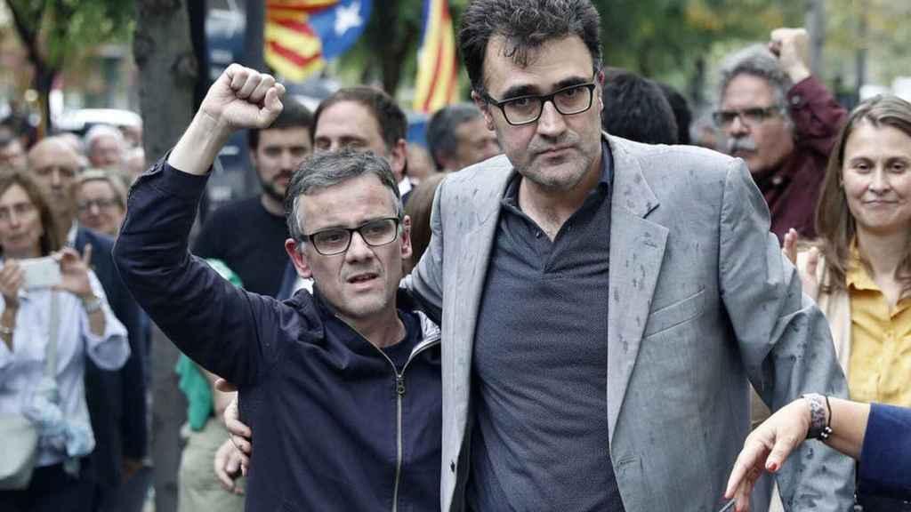 A la izquierda, Josep María Jové tras salir de prisión.