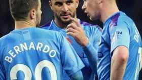 Kevin De Bruyne, Bernardo Silva y Kyle Walker, durante un partido del Manchester City