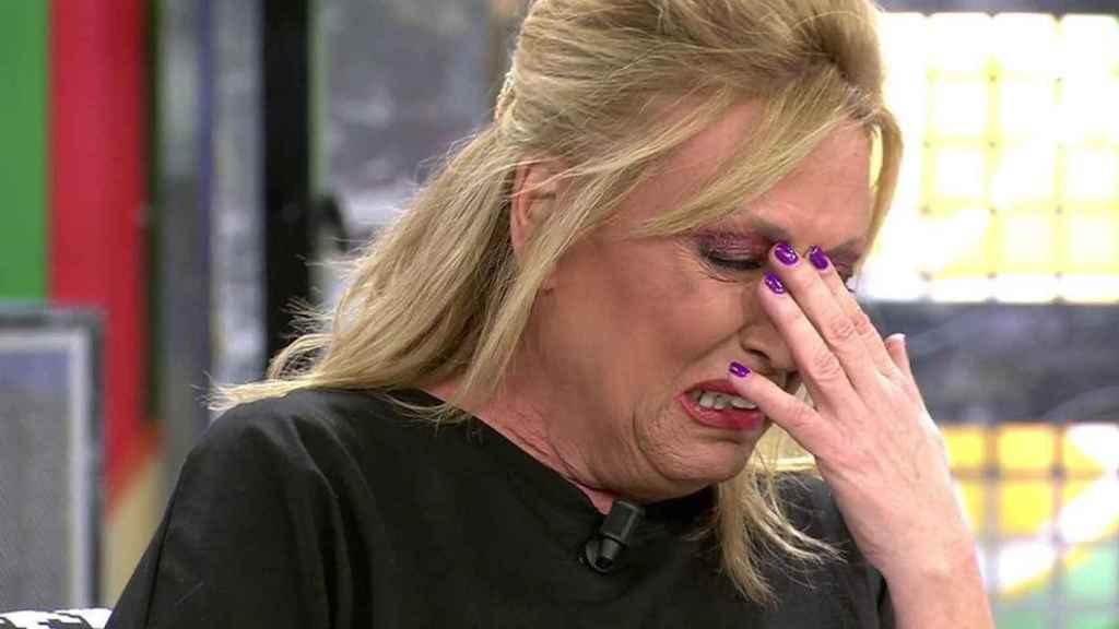 Lydia Lozano llora cuando tratan el 'caso Ylenia' en su programa.