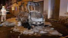 Queman el coche del portavoz de Vox en un pueblo de Girona.