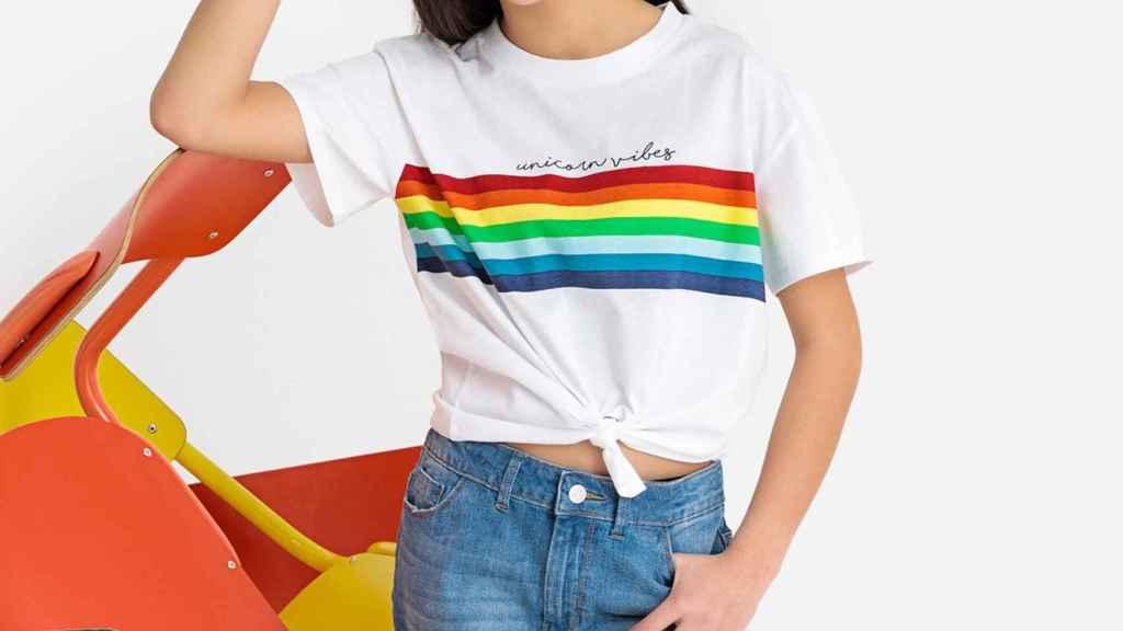 La modelo luciendo la nueva colección de la marca.