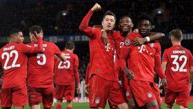Los jugadores del Bayern celebran uno de los goles del partido