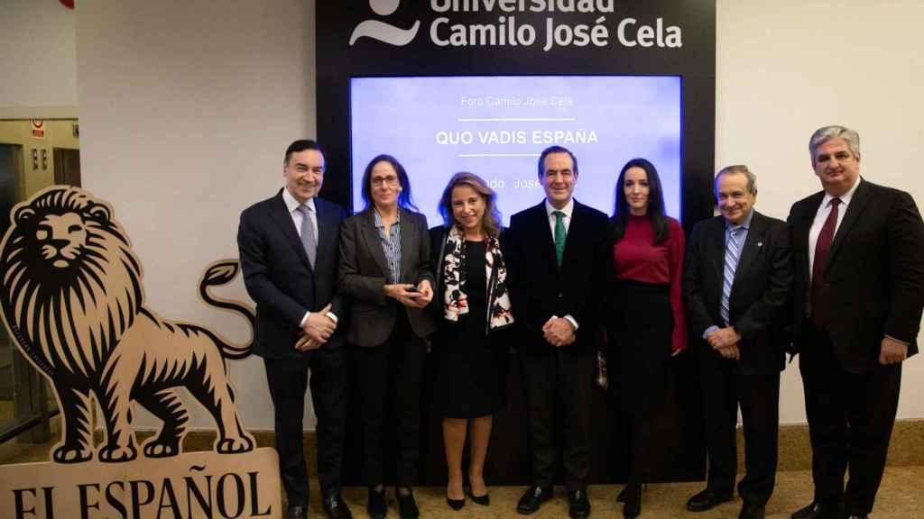 Pedro J. Ramírez, María Peral, Nieves Segovia, Bono, Cruz Sánchez de Lara , Emilio Lora-Tamayo y José Luis Delso.