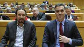 Pablo Iglesias y Pedro Sánchez, en una sesión de control al Gobierno.