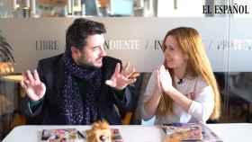 Jesús Carmona y Ane Olabarrieta en el kiosco rosa en vídeo.