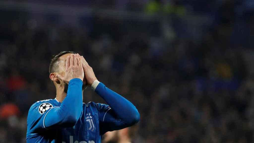 Cristiano Ronaldo se lamenta en el Lyon - Juventus