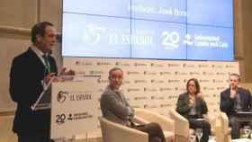 Bono y los periodistas Cristian Campos, María Peral y Daniel Basteiro.