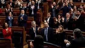 El ministro de Transportes, José Luis Ábalos, durante la sesión de control de este miércoles aplaudido por los suyos.