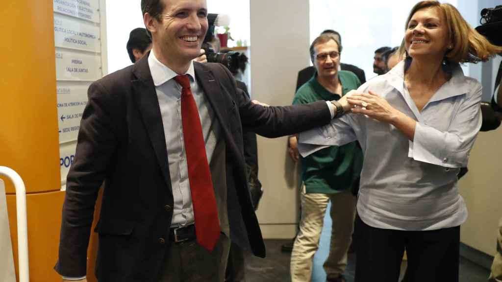 Cospedal junto a Pablo Casado, a quien apoyó en su candidatura a liderar el PP nacional.