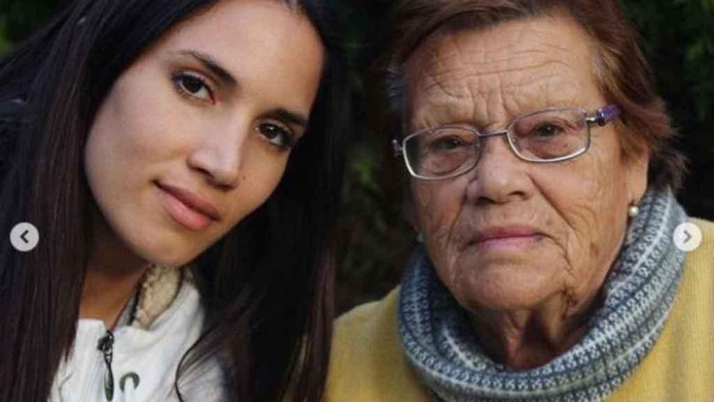 India Martínez, junto a Cati.