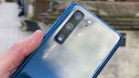 Un Huawei P40 aparece en vídeo, mostrando sus cámaras