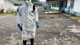 Personal médico en un hospital  de Duala, Camerún