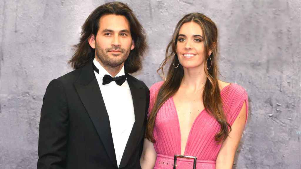 Ona Carbonell junto a su pareja Pablo Ibañez.