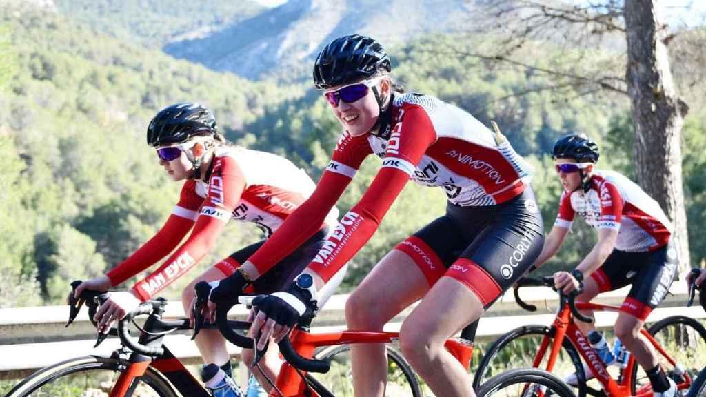 Ciclistas del equipo Doltcini-Van Eyck Sport