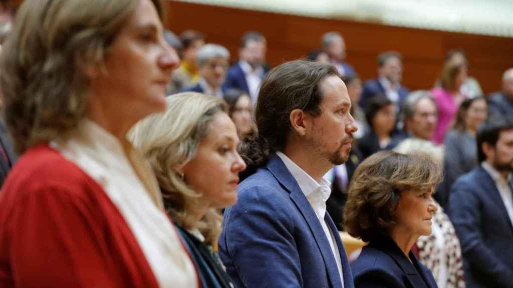 Los cuatro vicepresidentes, Teresa Ribera, Nadia Calviño, Pablo Iglesias y Carmen Calvo, en el pleno del Senado.