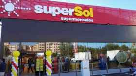 Supersol acelera su plan de reformas  y despeja los rumores de venta