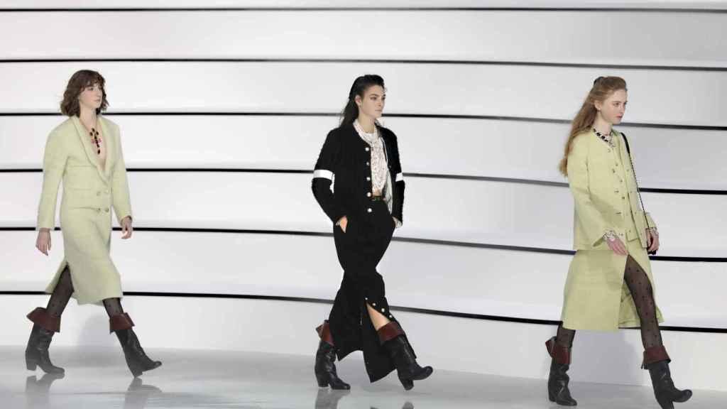 Modelos en el desfile de Chanel.
