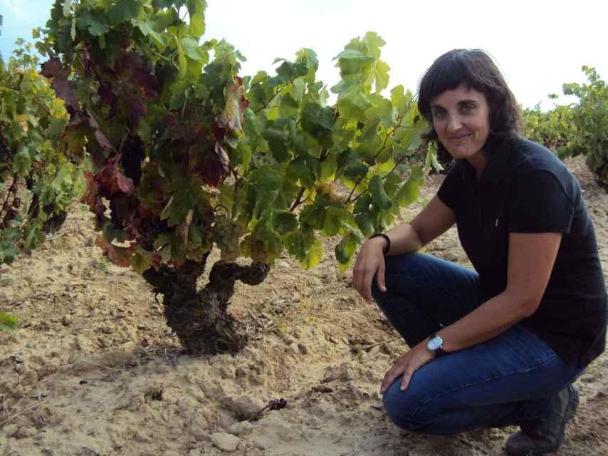 Ruth Rodríguez, a pie de viña.