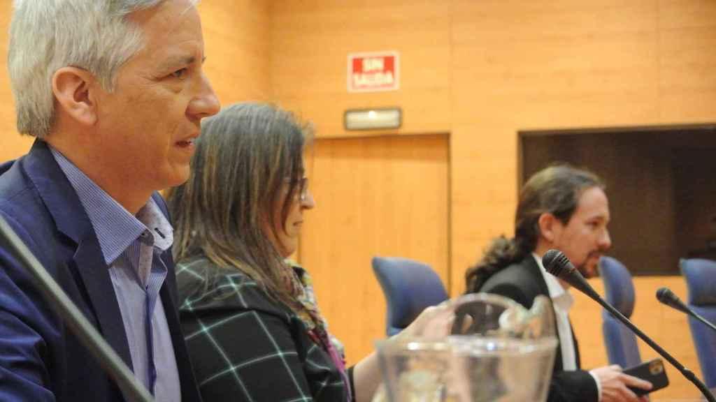 El exvicepresidente de Bolivia Álvaro García Linera, la decana Esther del Campo, y Pablo Iglesias en la Facultad de Políticas de la UCM.