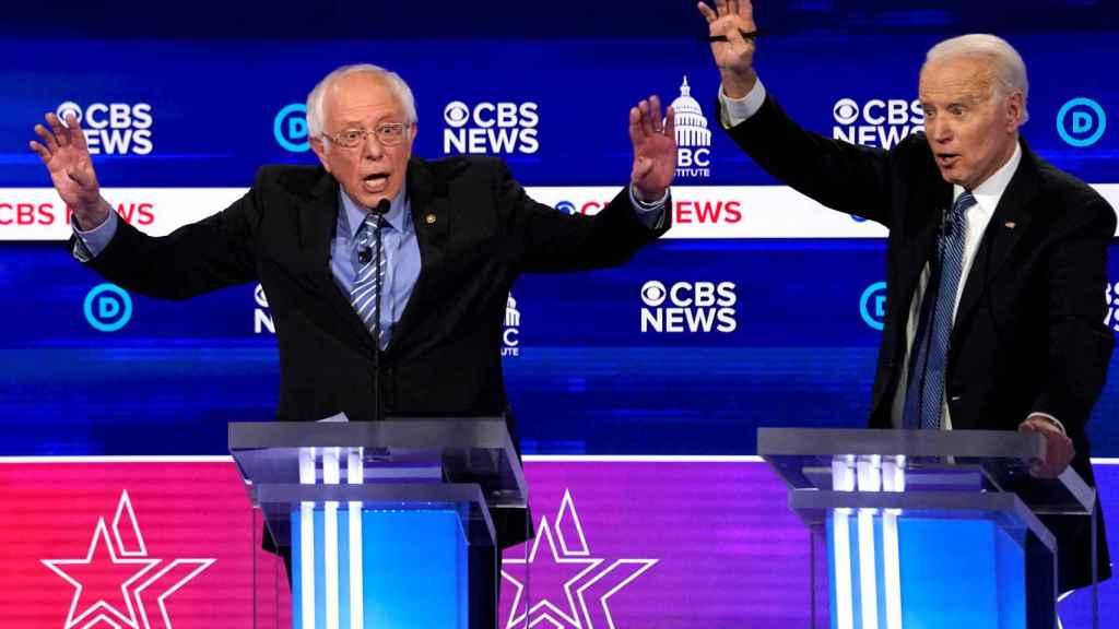 Los aspirantes demócratas Bernie Sanders y Joe Biden.