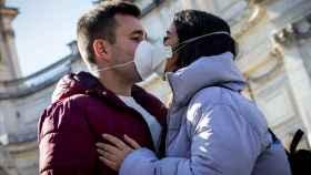 Ni fútbol, ni besos, ni ancianos en la calle: Italia redobla su alerta contra el coronavirus