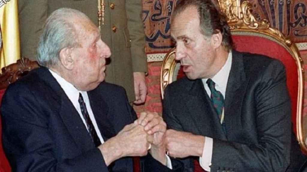 Juan Carlos padre y Juan Carlos I hijo.