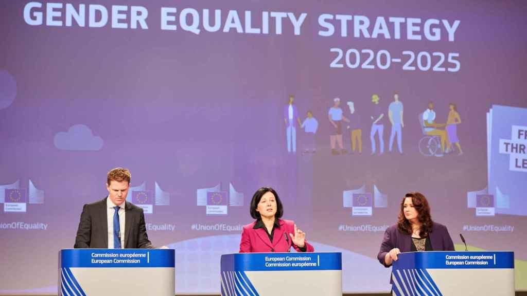 Las comisarias Vera Jourova y Helena Dalli presentan la Estrategia de Igualdad de Género