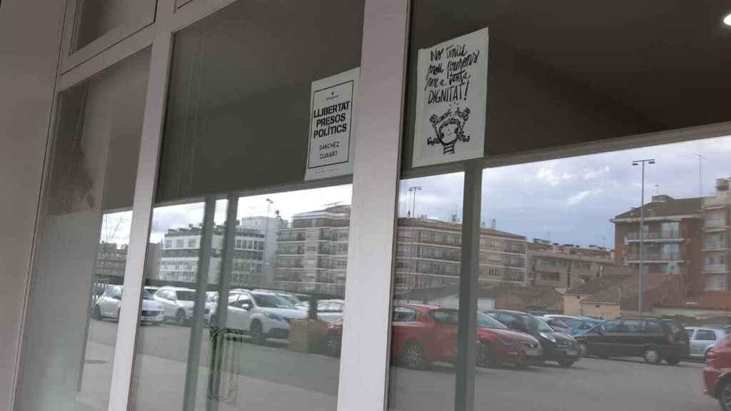 Carteles pidiendo la libertad de los Jordis.