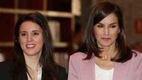 Irene Montero y la reina Letizia, juntas en una reunión de trabajo de la Asociación para la Prevención, Reinserción y Atención de la Mujer Prostituida.