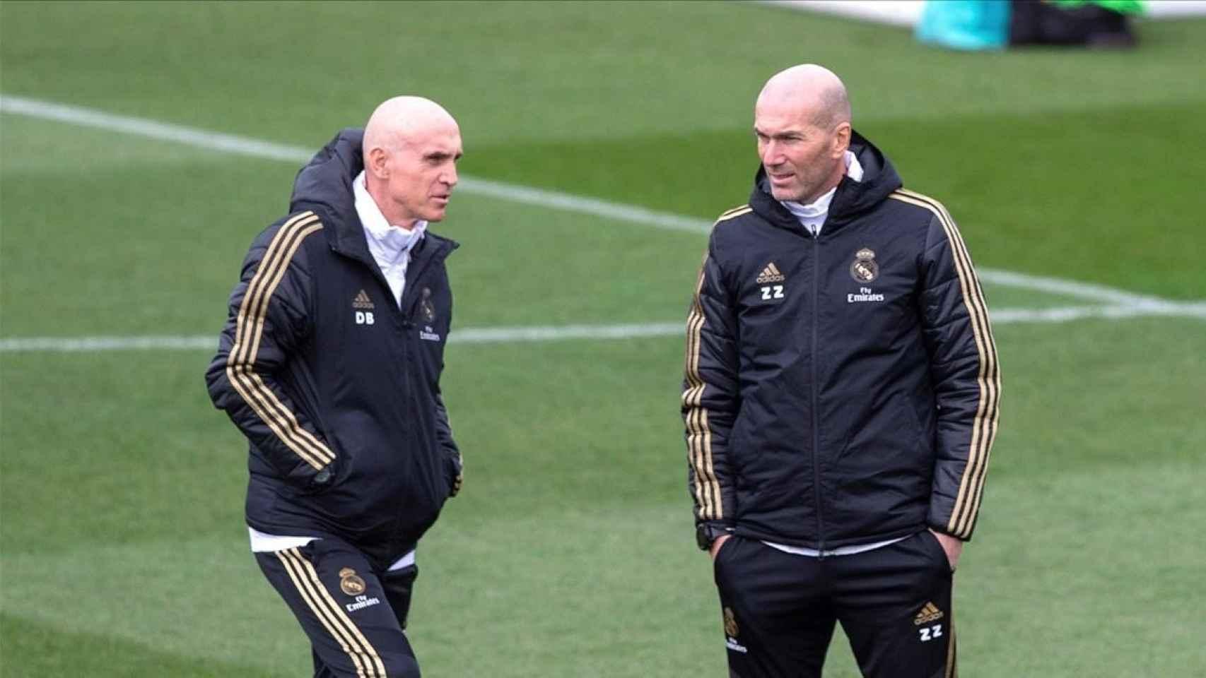 Zinedine Zidane y David Bettoni, durante un entrenamiento